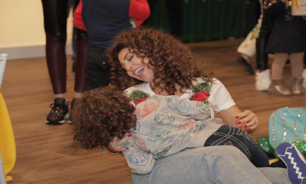 """""""شيء سحري أن تقع في الحب من جديد"""".. ميريام فارس تحتفل بمرور شهر على ولادة ابنها (فيديو)"""