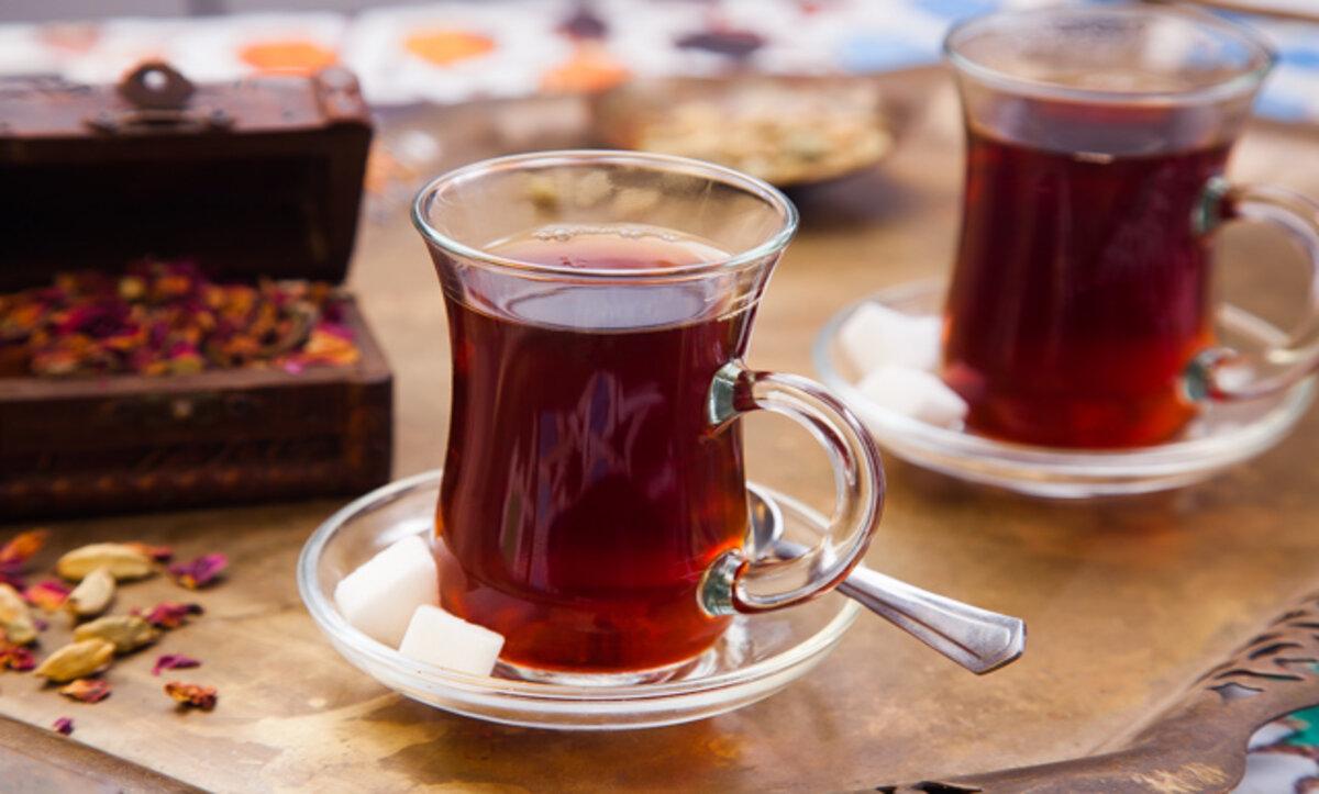 أكواب الشاي - تعبيري