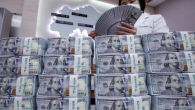 Photo of انخفاض جديد لليرة السورية مقابل العملات والذهب 27 12 2020