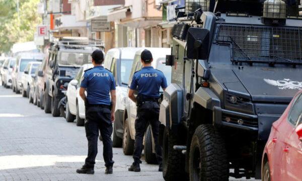 الشرطة التركية في إسطنبول بعد خلافات بين البلدين .. تركيا تعثر على خلية تعمل لصالح مخابرات إيران في إسطنبول