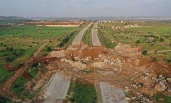 مدني أخطأ في الطريق بين إدلب وحلب فوقع في يد قوات الأسد