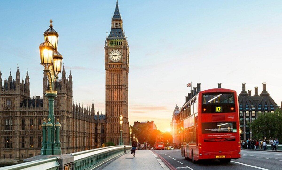 الهجرة إلى بريطانيا - مواقع التواصل
