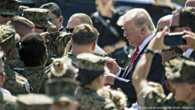 Photo of صحيفة بريطانية: ترامب قد يستخدم الجيش لقلب نتائج الانتخابات