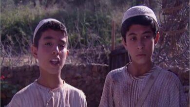 Photo of ملامح حسن وعلي الشهيران في التغريبة الفلسطينية بعدما أصبحا في مرحلة الشباب (صور)