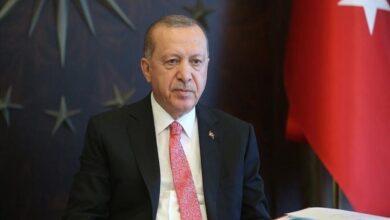 "Photo of أردوغان يستدل بآية قرآنية خلال استعراضه عام 2020 ""إن مع العسر يسراً"""