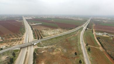 Photo of مدني أخطأ في الطريق بين إدلب وحلب فوقع في يد قوات الأسد