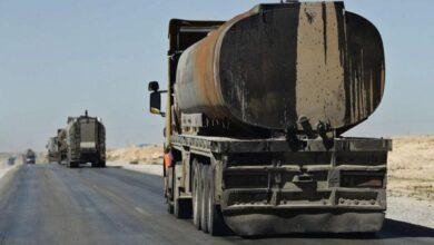 Photo of نائب لبناني يكشف بالفيديو إرسال الوقود والمواد الغذائية إلى سوريا بطرق غير شرعية