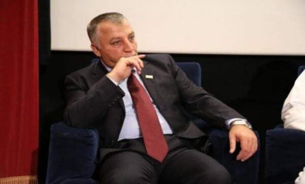 غسان عبود يغرد خارج السرب و ينتقد حاتم علي واصفاً الحزن عليه بالنفاق !