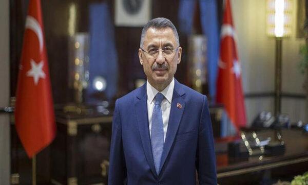 حالة مفاجأة لـ نائب أردوغان يتوقف يسببها عن كلمته (فيديو)