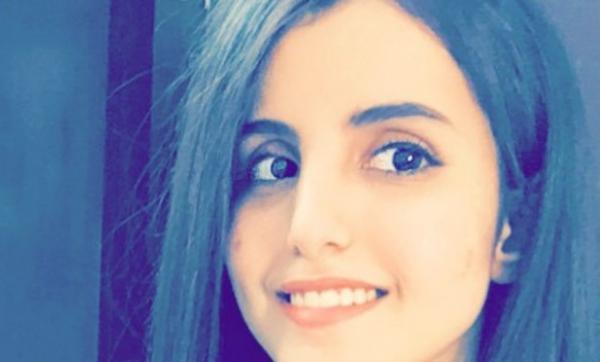 السعودية فوز العتيبي تثير الجدل بسبب صورة جريئة مع خنازير.. وترد على منتقديها: مرضى نفسيًا