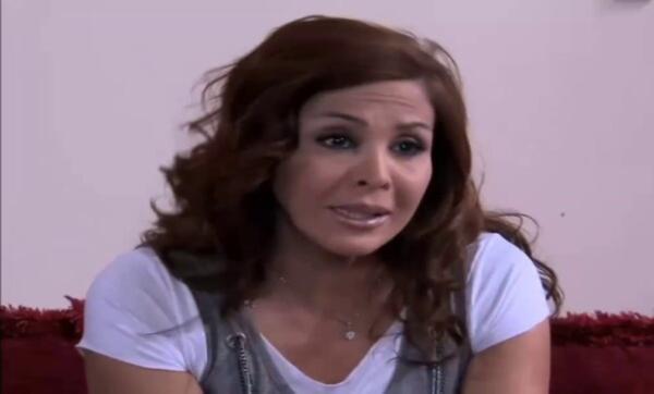 الفنانة السورية نبال الجزائري تفجع في رحيل شقيقها: سلم على بابا وماما حبيبي