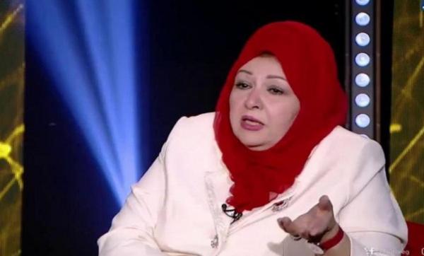 """""""اللي يغسل المواعين ميبقاش راجل"""".. الفنانة عفاف شعيب تنتقد من يساعدون زوجاتهم (فيديو)"""