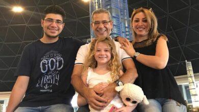 Photo of مصطفى الآغا يستذكر الحياة ما قبل الكمامة بصورة عائلية (صورة)