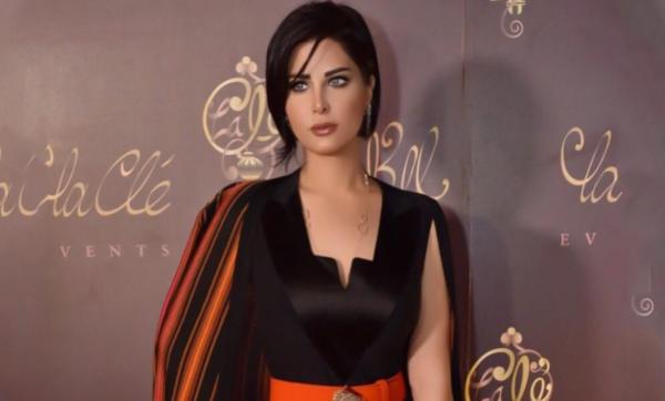 شمس الكويتية تهاجم النسويات: أقسم بالله لو عندي رجل يحترمني لأنزل لرجله وأغسلها (فيديو)