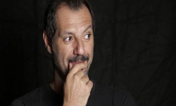 بعد شائعات توتر علاقتهما.. عادل كرم يتحدث لأوّل مرّة عن ابنه شربل وينتظر طفلة من زوجته الثالثة (فيديو)
