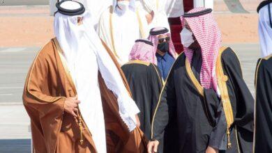 """Photo of ولي العهد السعودي يرحب بأمير دولة قطر: """"يالله حيه يالله حيه نورت المملكة"""" (فيديو)"""