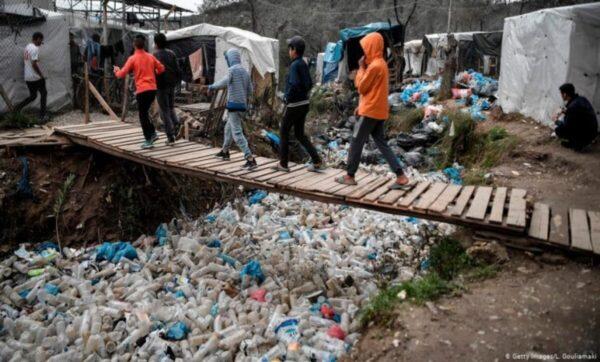 ناشط سوري يتحدث عن أوضاع اللاجئين من داخل أثينا: هذا الكلام فقط لمن يجرؤ (فيديو)