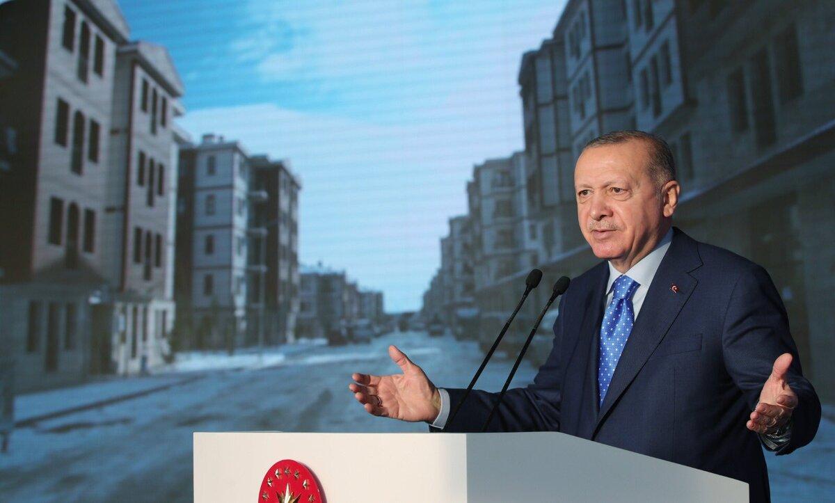 بعد تسليمه آلاف المنازل لأبنائها.. أردوغان لأهالي ألازيغ: لم نأت لنكون سادة هذه الأمة بل خدماً لها