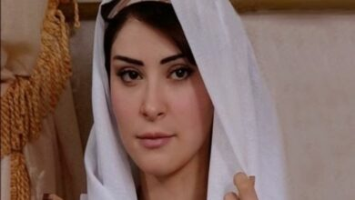 Photo of رواد عليو تؤكد ملامحها التركية بإطلالة جديدة من غرفة نومها
