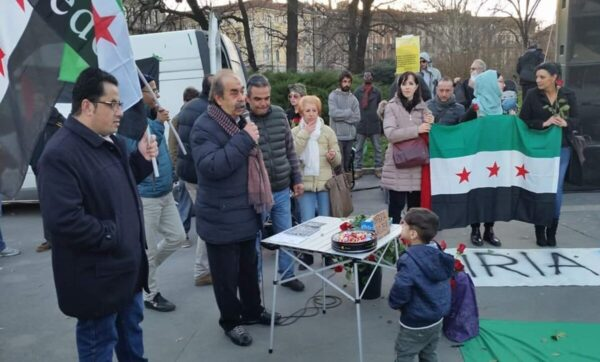 شاعرة إيطالية تهين الأسد ورايته وتصف مؤيديه بالعبيد لدى سيد لا يرحم