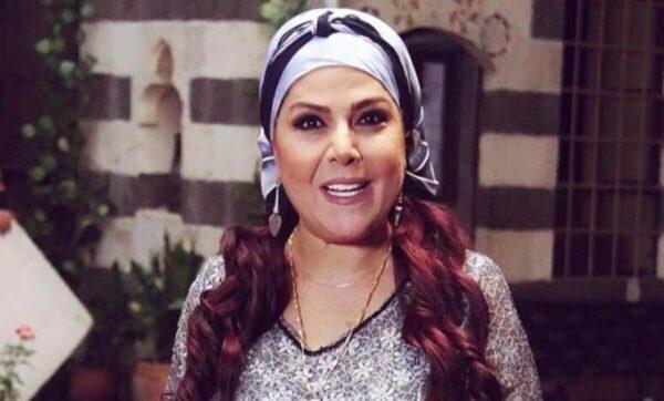 صباح الجزائري تستعرض إطلالاتها أيام الصبا .. ومتابعون يشبهونها بـ بناتها