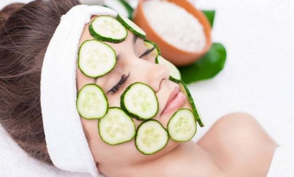 ينظف بشرتك ويخلصك من السيلوليت.. تعرفي على فوائد الخيار المذهلة لبشرة مثالية
