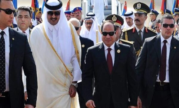 مصر ترسل إشارات تهدئة إلى قطر قبل قمة المصالحة الخليجية