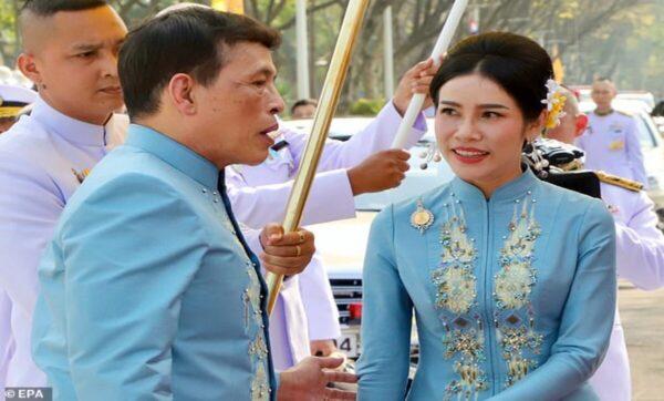 ملك تايلند يتخذ خطوة تاريخية تجاه عشيقته بمناسبة عيد ميلادها