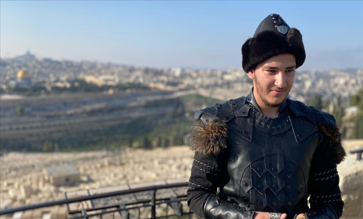 فنان فلسطيني - أمير دعا - الأناضول