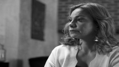 """Photo of """"ما كان عندي القدرة والقوة"""".. نادين تحسين بيك توضّح سبب غيابها عن جنازة المخرج حاتم علي"""