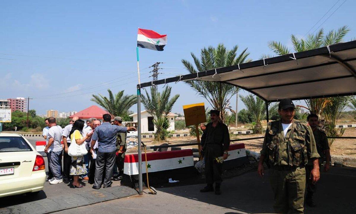 مذيعة وناشط ومفتشة من داخل مناطق سيطرته يكشفون بالدلائل فساد نظام الأسد