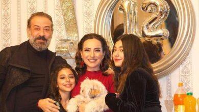 Photo of عبد المنعم عمايري يجتمع بأمل عرفة للاحتفال بعيد ميلاد ابنتهما مريم (صورة)