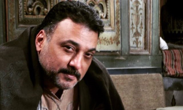 """""""راض بما قسمه الله"""".. طارق مرعشلي يكشف سبب عدم رغبته في أن يكون نجمًا.. ويؤكد: ابنتي هيا مبدعة"""