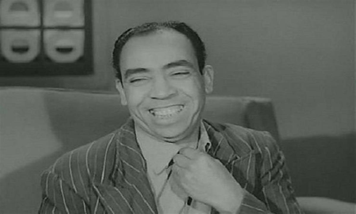"""الوجه الآخر لـ""""ملك الضحك"""" إسماعيل ياسين.. عمل قهوجي ونام بالشوارع وخسر  أمواله وعانى من اكتئاب حاد - Mada Post - مدى بوست"""