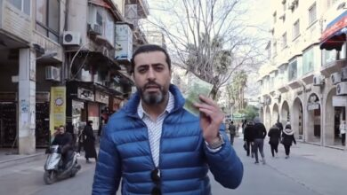 Photo of باسم ياخور يتجول في شوارع الشام لاستكشاف ماذا يشتري مبلغ 1000 ليرة سورية؟ (فيديو)