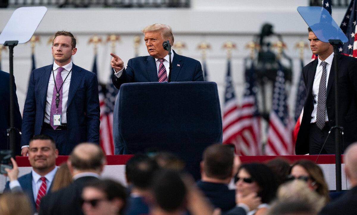 ترامب يتخذ خطوة تاريخية بدعمه منافساً لنائب جمهوري صوت لعزله
