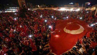 Photo of صحفي كويتي: تركيا تستحق من العالم الإسلامي أن ينصرها (فيديو)