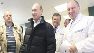 Photo of أمريكا تلاحق طباخ بوتين وتعرض ربع مليون دولار مكافأة لمن يقدم معلومات للعثور عليه