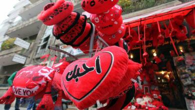 Photo of عيد الحب .. الوردة الحمراء في سوريا بـ 4 آلاف ليرة والدب الأحمر الصغير بـ 30 ألفاً