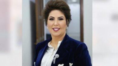 "Photo of فجر السعيد على فيديو احتفال بقرار إيقاف برنامجها: ""يرقص انجليزي والموسيقى عراقية"""