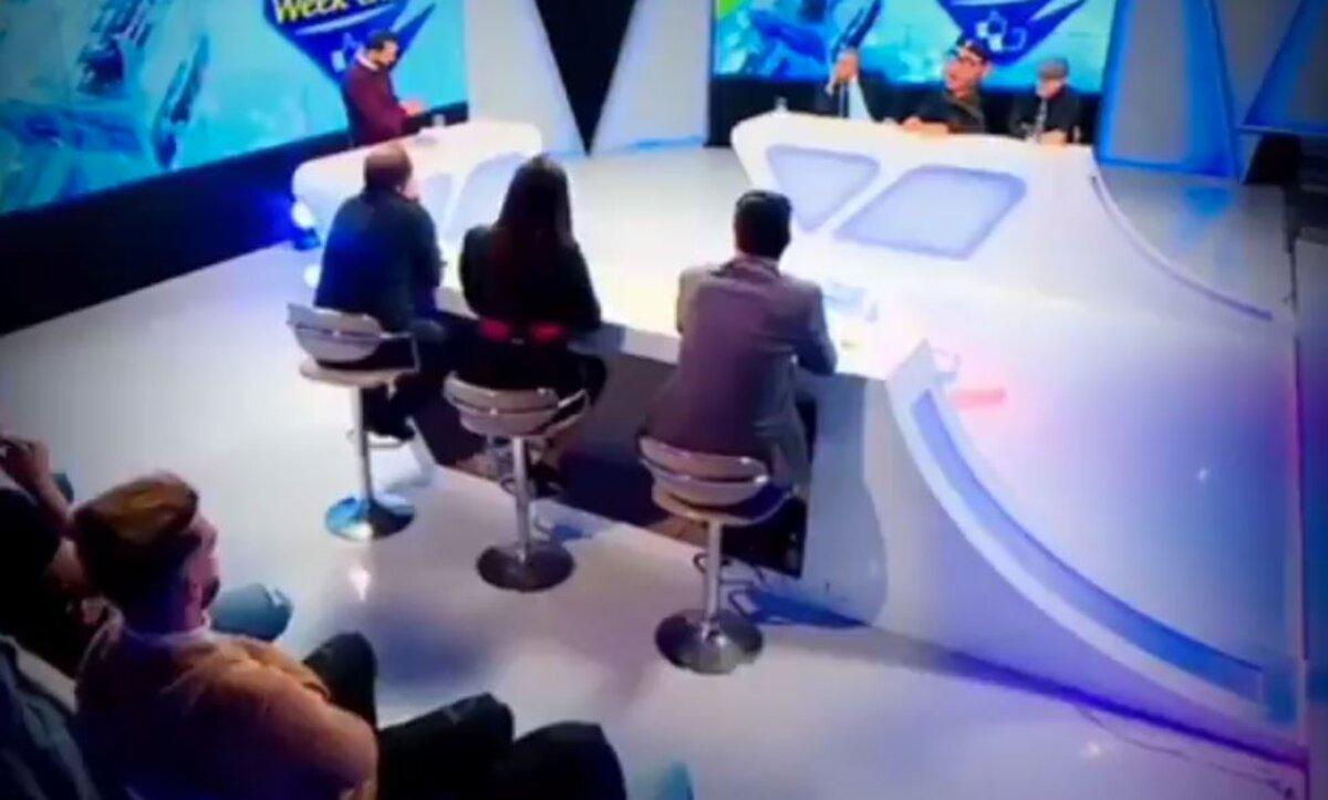 قناة جزائرية تسبب ضجة بسبب تقديمها ملك المغرب محمد السادس بشكل لعبة (فيديو)