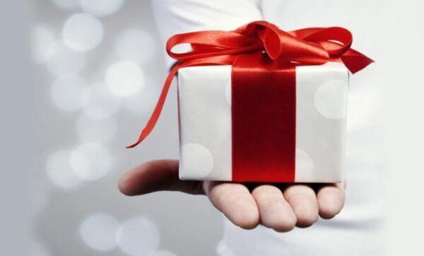 سيدة تحقق ملايين المشاهدات على تيك توك بسبب هديتها لزوجها في عيد الحب (فيديو)