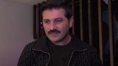Photo of يزن السيد: زادت المسئولية بولادة ابني آدم ومن الصعب أن أصل لابني يعرب (فيديو)