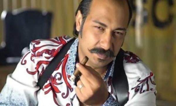 تخرج من كلية التجارة بعد 7 سنوات وأشاد به عادل إمام وسر تركه لزوجته يوم الزفاف.. معلومات عن الممثل الكوميدي محمد ثروت