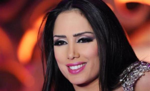 اللبنانية إليسار: ساعدت أشقائي على إكمال تعليمهم وبقرأ المعوذتين قبل الصعود للرقص (فيديو)