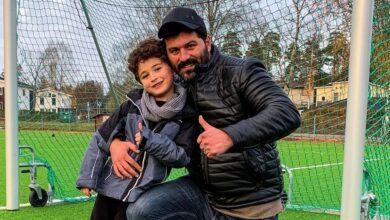 Photo of يزن السيد يستعرض مهارات ابنه يعرب الكروية.. ويصفه بكابتن منتخب سوريا (فيديو)