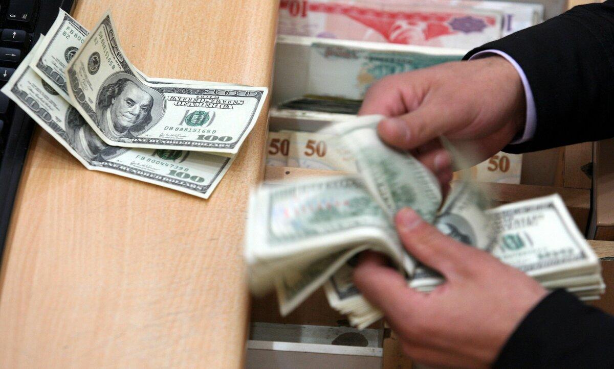 الدولار في مناطق سيطرة نظام الأسد يتجه نحو الـ 5000 ليرة مع ارتفاعه اليوم الإثنين 15 03