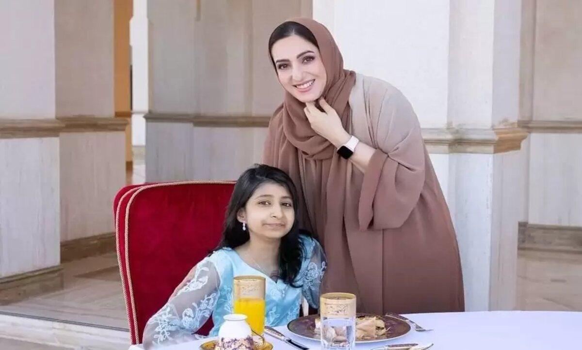 عمان: السيدة الجليلة تتصدر تويتر بعد إطلالتها الأخيرة ومخاطبتها الإماراتية أحلام الشامسي