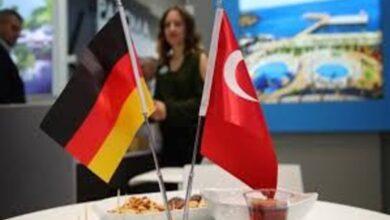 Photo of مسؤولة تركية: الأسلوب الألماني في دمج اللاجئين أفضل من الفرنسي