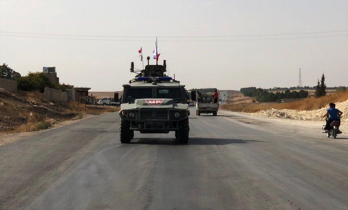 روسيا تلجأ إلى قسد لإنعاش اقتصاد الأسد بعد فشلها في فتح المعابر مع المعارضة